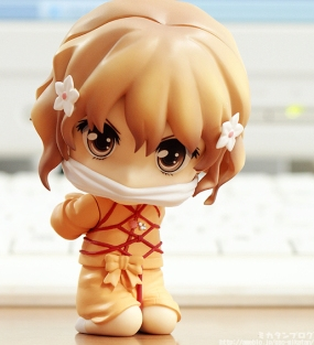 The Ohana Nendoroid comes with a turoise shell bondage mode! haha